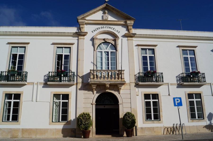 Câmara de Coruche abre concurso para três novos postos de trabalho