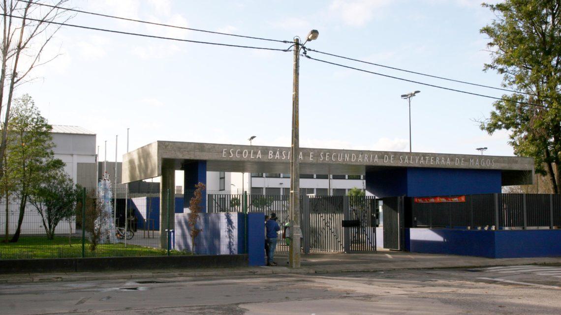 Agrupamento de Escolas de Salvaterra de Magos cancela visitas de estudo e aconselha cancelamento de viagens de finalistas