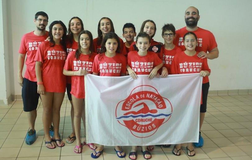 Atletas da Búzios destacam-se na natação distrital. Catarina Carlota campeã de fundo