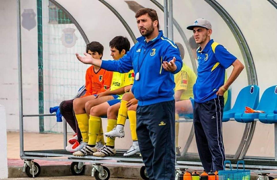 Benfica do Ribatejo treinado por jovem coruchense