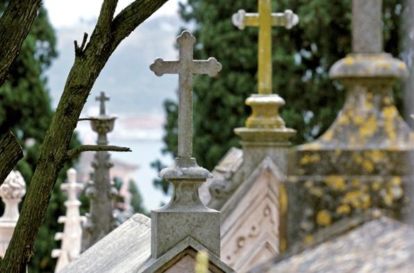 Cemitérios do concelho de Benavente reabrem no sábado