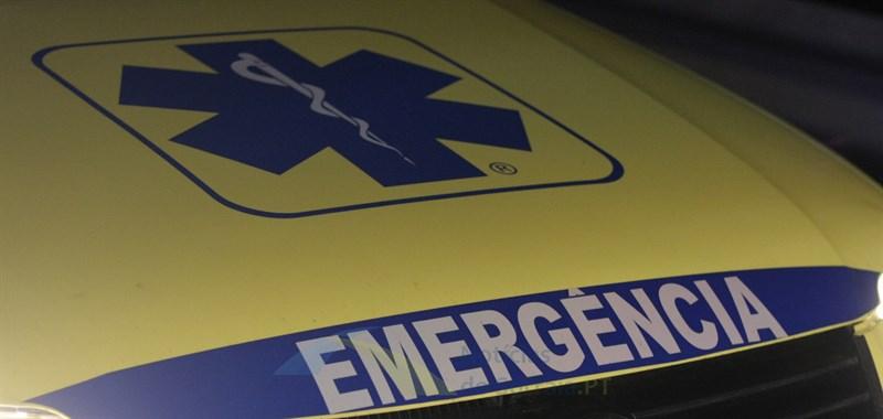 Colisão entre carro e mota no Porto Alto faz 1 ferido grave
