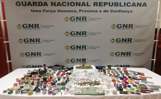 GNR detém 26 pessoas por posse de droga em festa em Almeirim