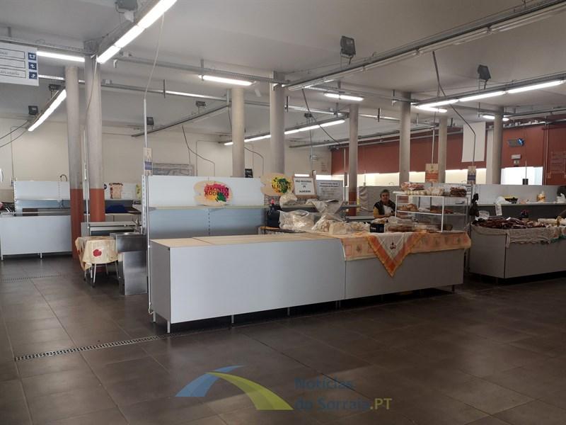 Mercado Municipal de Coruche aberto dia 25 de Abril