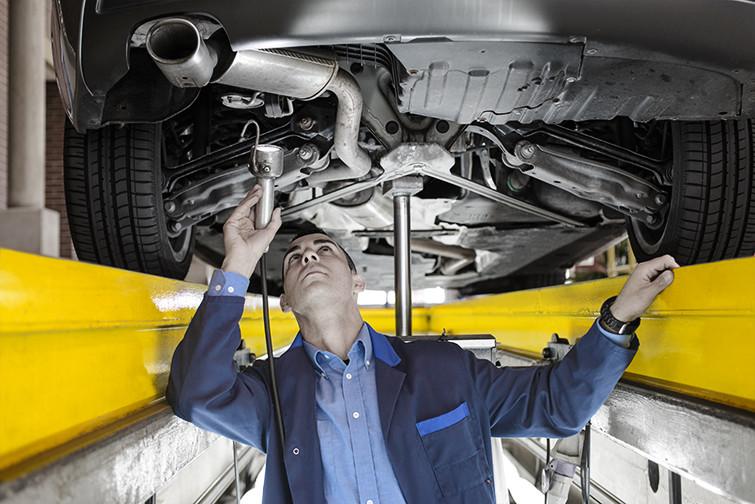 'Stands' automóveis encerram sábado e inspeção de veículos só por marcação