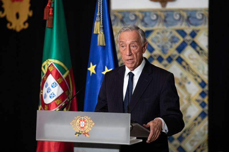 """""""Resistência, solidariedade e coragem são as palavras de ordem…"""" afirma Marcelo Rebelo de Sousa ao decretar o Estado de Emergência em Portugal"""