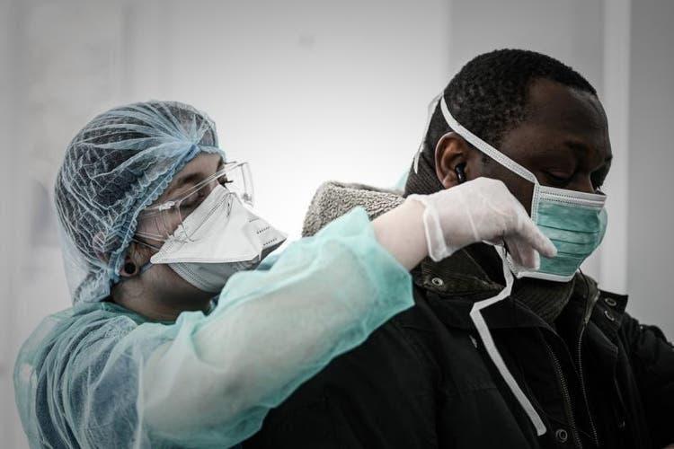Aconselhada a utilização de máscaras não cirúrgicas em espaços fechados