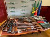 Descoberto arsenal em casa de homem que agredia a mulher em Benavente (Com Vídeo)