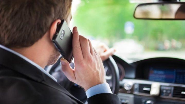 Agravadas as multas por falar ao telemóvel durante a condução