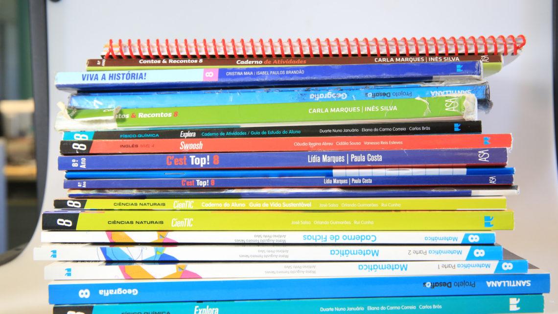 Porto Editora abre à comunidade escolar manuais em formato digital