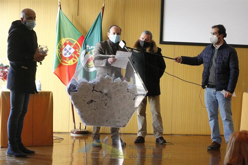 Sorteados os 3 mil euros de prémios do Sorteio de Natal de Coruche (Com Fotos). Saiba se foi um dos premiados