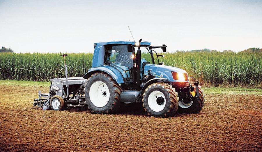 Obrigatoriedade de formação para condução de trator com prazo alargado