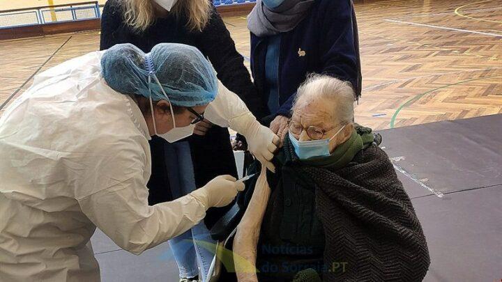 Palmira Cruz de 106 anos foi a primeira e a ser vacinada em Coruche a mais velha do país (Com Fotos)